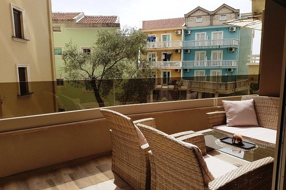 Longterm apartments rental in Rafailovici