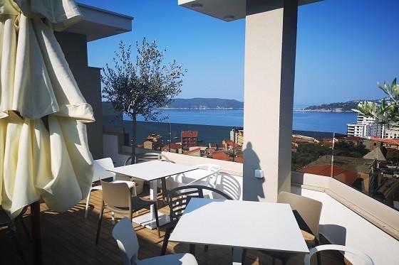 Рафаиловичи, Черногория - мини кафе-бар для гостей наших апартаментов